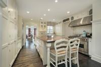Кухня для большого загородного дома