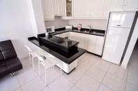 Кухня с микс-стилями: прованс и постмодерн